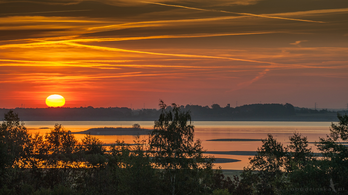 Wschód słońca nad Zalewem Mietkowskim