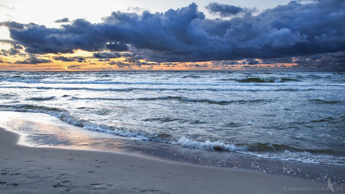 Morze Bałtyckie, Bałtyk (łac. balteus – pas)